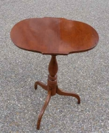 NEW ENGLAND MAPLE TRIPOD CANDLE STAND